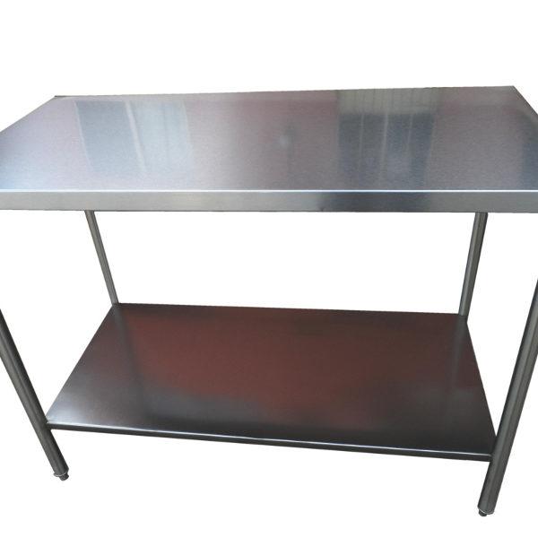 mesas-de-trabajo-tipo-isla-con-entrepao-en-acero-inoxidable